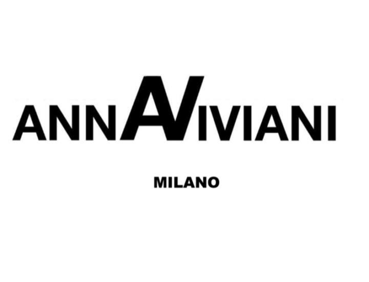 Anna Viviani Cover